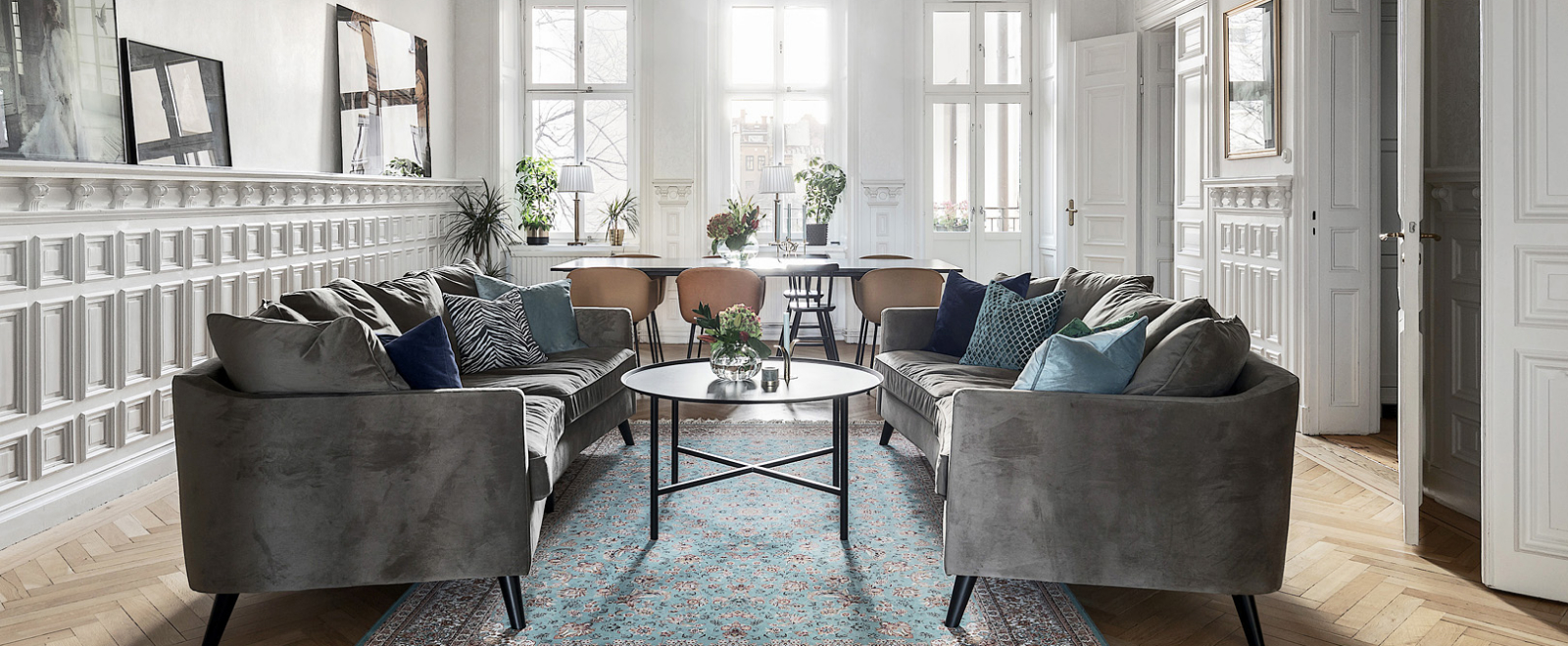 Harmonisk designat matsal/ lounge efter renovering, design av @koolistyle.